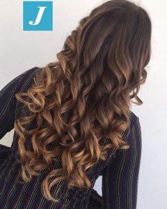 Come schiarire i capelli naturali con il Degradé  785a08ae3819