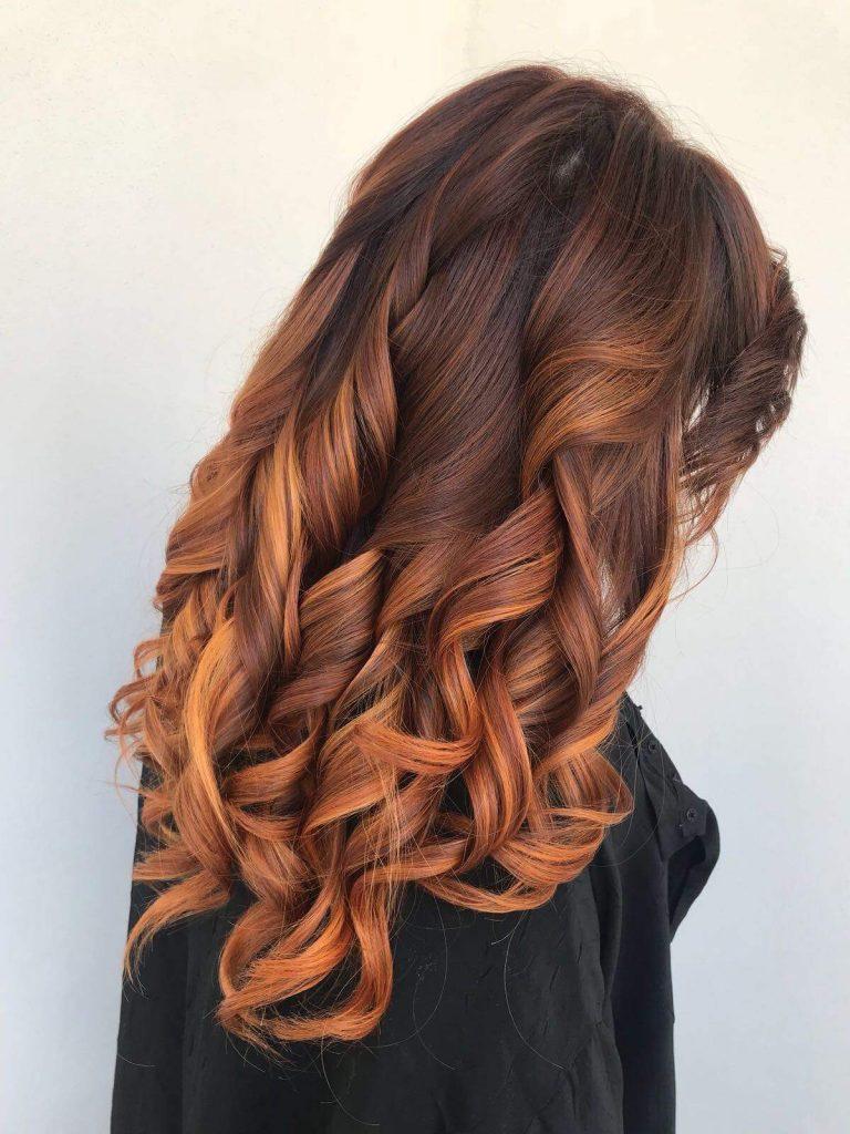 Colore capelli scuri sopra e chiari sotto