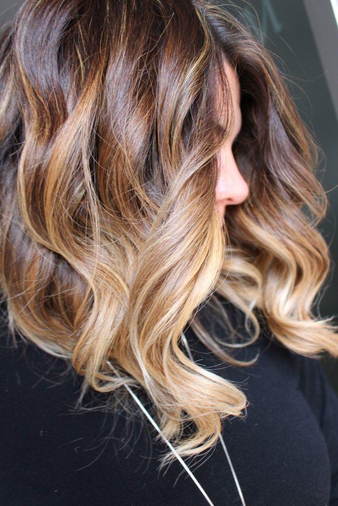 Schiuma volumizzante per capelli lisci